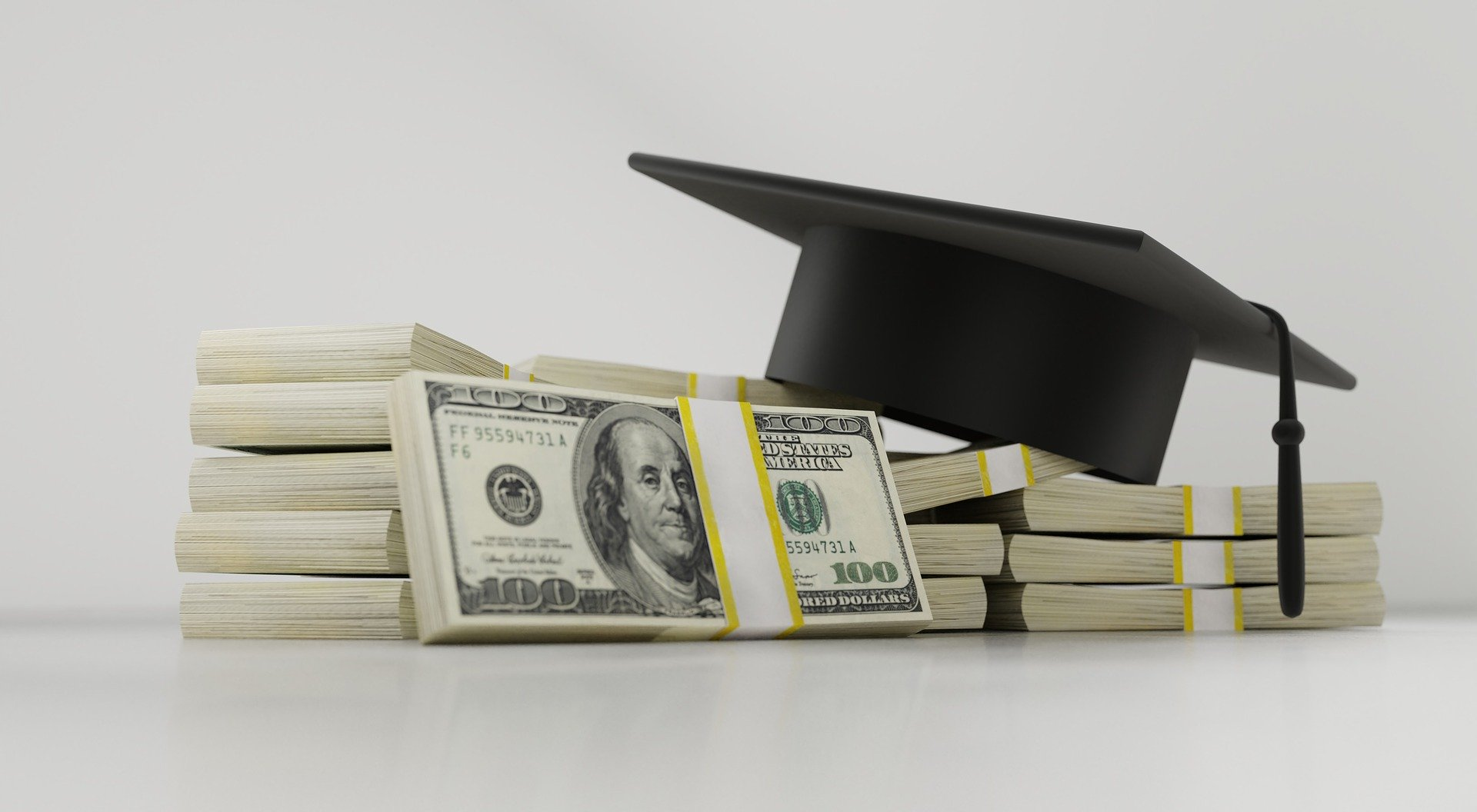 9 Best Student Money Saving Tips